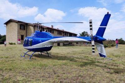 Elicottero atterrato a Cà del Monte